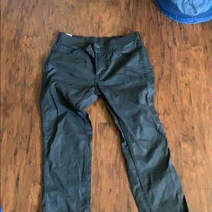 Men's levis jeans